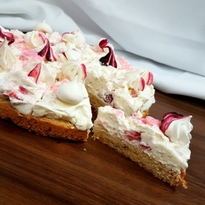 Strawberry meringue s jahodami