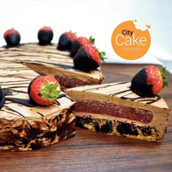Torta chocco mouuse cake s jahodami