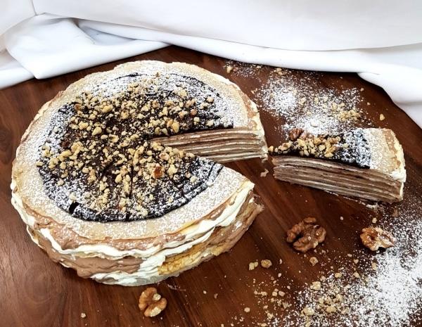 Torta z parížskym krémom a orieškami