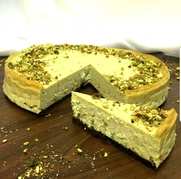Cheesecake plný pistácii a krémového syra