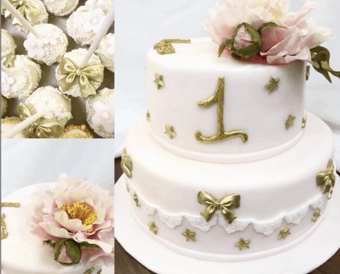 Detská torta v púdrovej ružovej so zlatými hviezdami