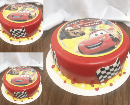 Detská torta s autami a vlajkami