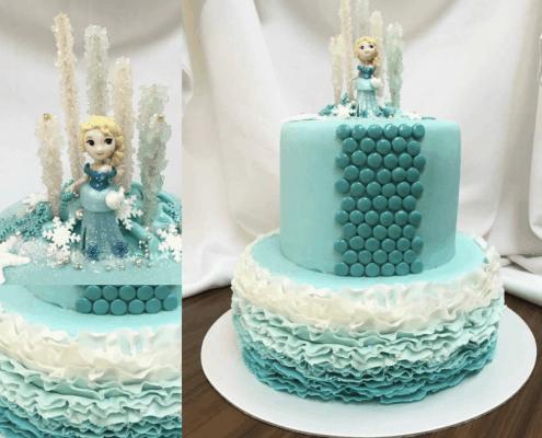 Moderná detská torta frozen so vzorkou a volánikmi