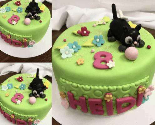 Detská torta s mačiatkom a loptičkou na lúke