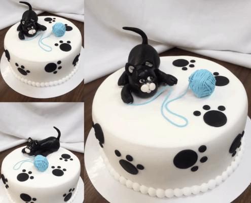 Detská torta s mačku a klbkom modrej vlny