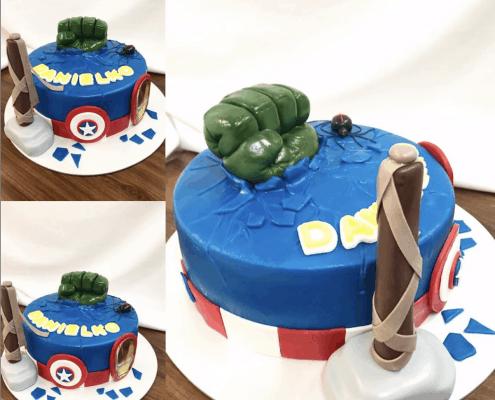 Chlapčenská narodeninová torta s postavami od marvel