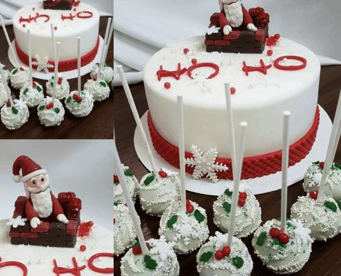 Vianočná torta so santa clausom na komíne