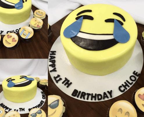Usmiata detská torta v tvare smajlíka s cupcakes