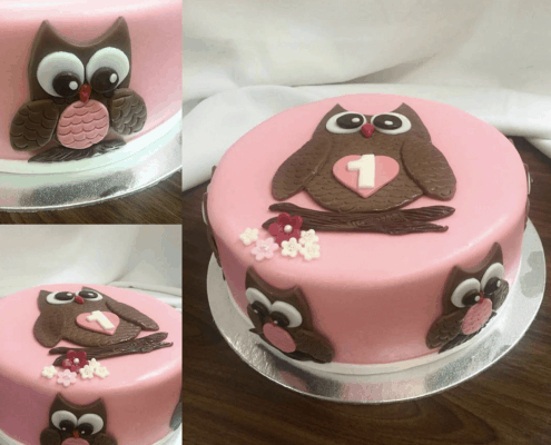 Ružová narodeninová torta s hnedou sovou a kvietkami