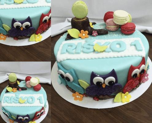 Bledomodrá chlapčenská torta so sovičkami na prvé narodeniny