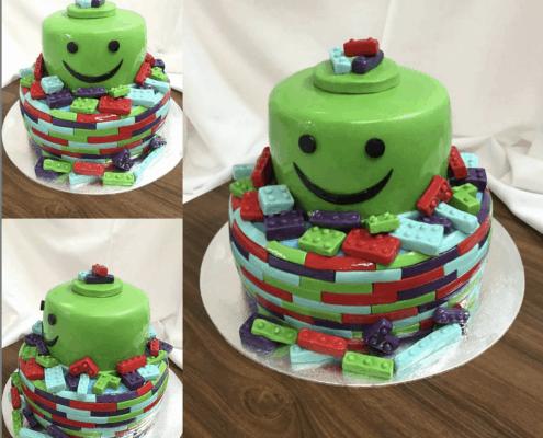 Detská torta zelené lego plnená čerstvým ovocím