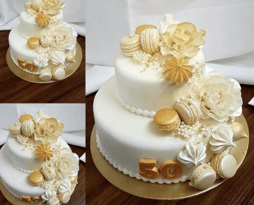 Narodeninová torta so zlatými pusinkami a perlami