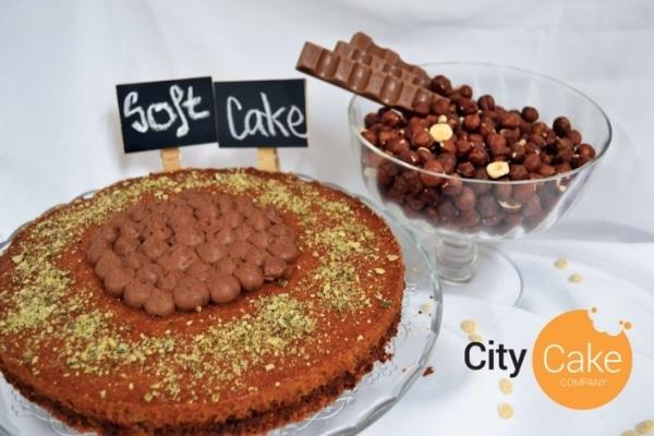 Pistáciový soft cake s čokoládovým krémom