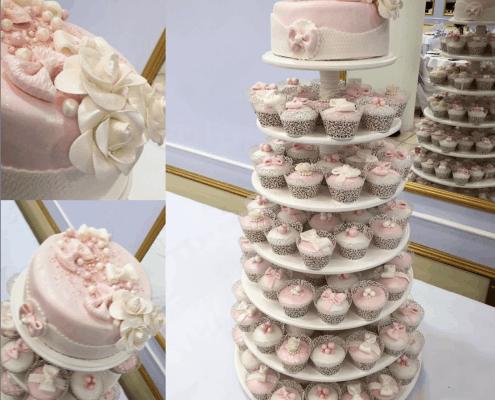 Svadobný tower s tortou a svadobnými cupcakes
