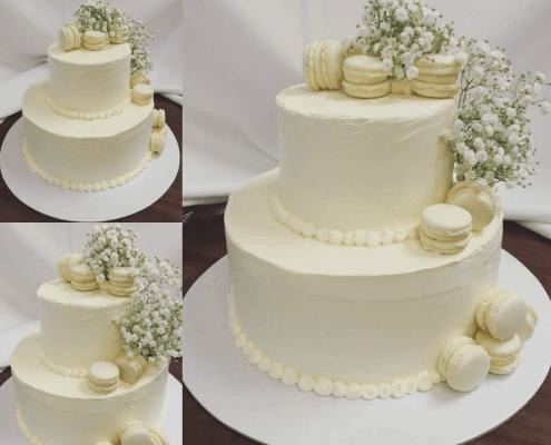 Svadobná torta s mascarpone krémom a makarónkami