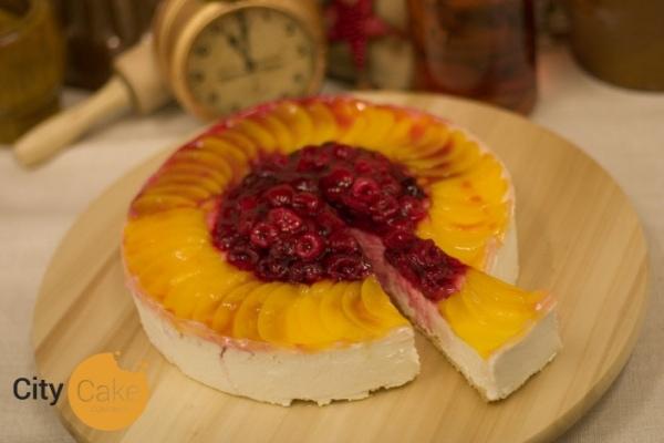 Tvarohová torta s ovocím a želé