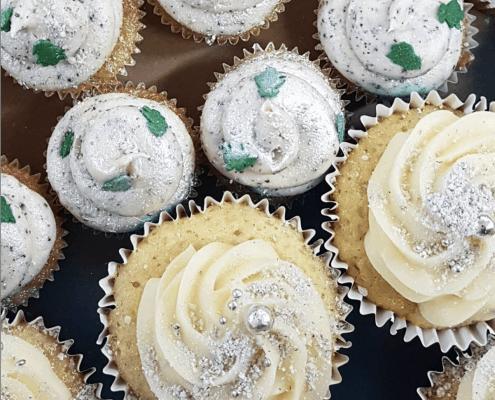 Cupcakes so snehom a trblietkami