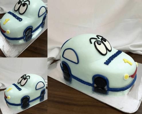 Detská torta v tvare modrého autíčka