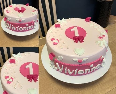 Dievčenská torta s trblietkami, mašličkami a perličkami