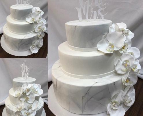 moderná svadobná torta s efektom mramoru